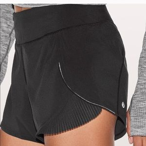 Play off the pleats athletic shorts